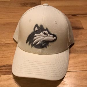 NIU Huskies fitted Hat
